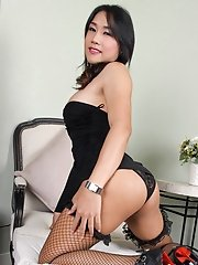 Yaya Is 28 Years Old. She Has Big Sexy 36c Breasts. She Likes Guys That Are Good Looking And Smart. She Likes To Read, Cook And Play Badmington!