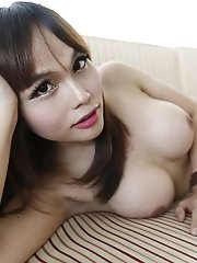 23yo Busty Thai Newhalf Does A Striptease For White Tourist