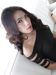 19 year old sexy and horny Thai ladyboy sucks off white cock